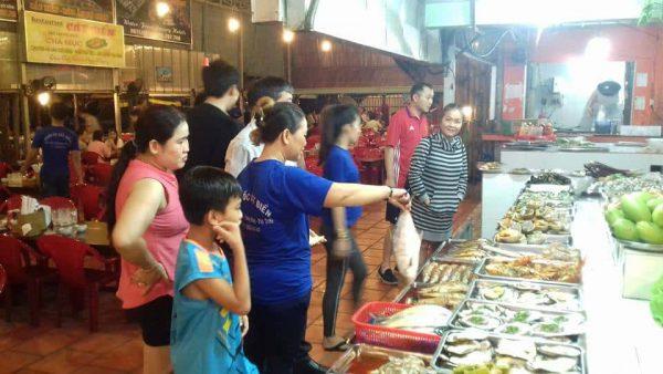"""Top 5 địa điểm thưởng thức hải sản """"NGON BỔ RẺ"""" tại Phú Quốc"""