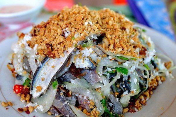 Gỏi cá trích Phú Quốc – món ăn không thể bỏ qua khi đến Phú Quốc