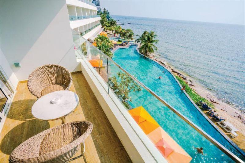 Combo 3N2Đ Seashells Phú Quốc Hotel & Spa